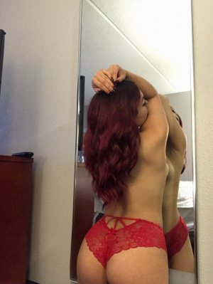 Maria-candida erotic massage in New London CT