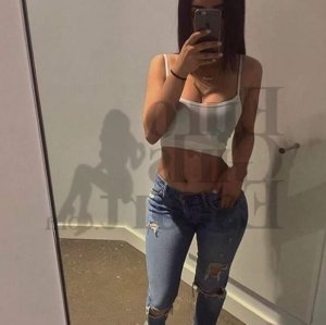 Djazia thai massage in Waynesboro, live escort
