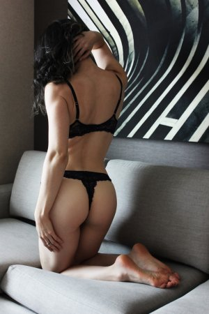 Souria escort in Huntingdon and nuru massage