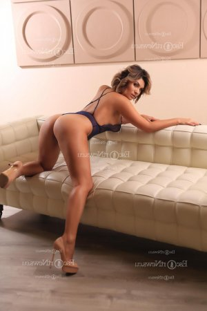 Oumeima tantra massage and live escorts