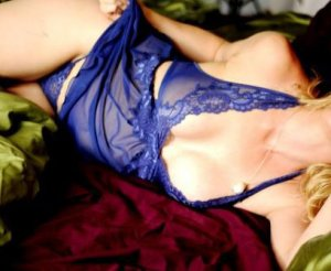 Fadime call girl in Glasgow and nuru massage