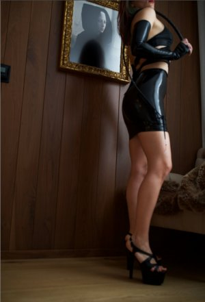 Ecaterina nuru massage in Lake Magdalene, escort