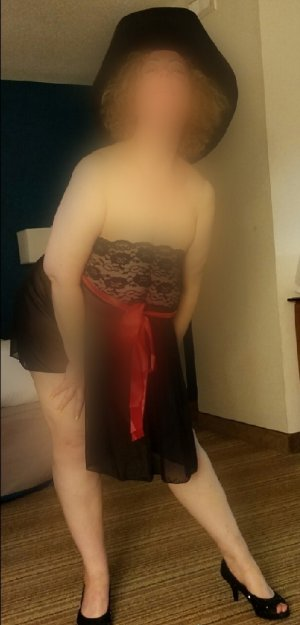 Chrystine escort girl
